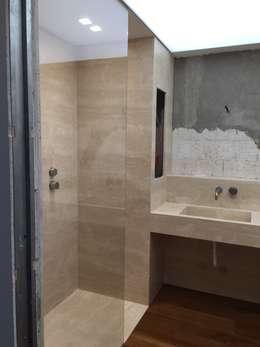 classic Bathroom by Giemme Marmi