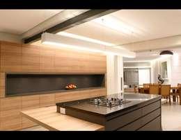 Cozinha Gourmet 3: Cozinhas modernas por MONICA SPADA DURANTE ARQUITETURA