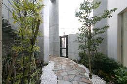 Jardines de estilo minimalista por 株式会社YDS建築研究所