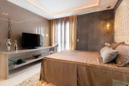 Projekty,  Sypialnia zaprojektowane przez Lícia Cardoso e Rafaella Resende