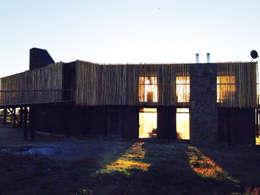 Casa Pangal: Casas de estilo moderno por Nido Arquitectos