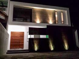 Casas de estilo minimalista por Estilo Homes