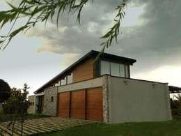 Viviendas Loteo Las Lavandas:  de estilo  por Azcona Vega Arquitectos