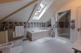 classic Bathroom by Дизайн бюро Оксаны Моссур