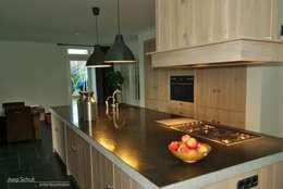 Cocina de estilo  por Joep Schut, interieurmaker