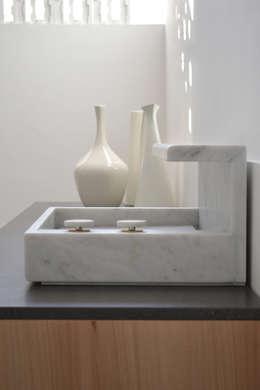 modern Bathroom by MG12