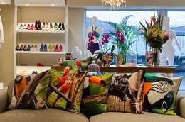 غرفة المعيشة تنفيذ Covet Design