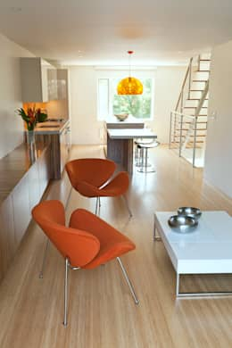 Carroll Gardens Duplex: modern Living room by Sarah Jefferys Design