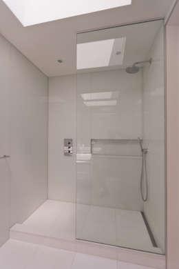 Carroll Gardens Duplex: modern Bathroom by Sarah Jefferys Design