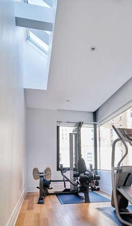 Park Slope Townhouse: modern Gym by Sarah Jefferys Design