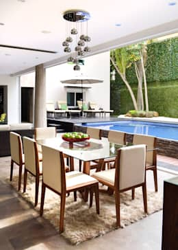 Remodelación Casa-Habitación 850m2: Comedores de estilo moderno por GHT EcoArquitectos