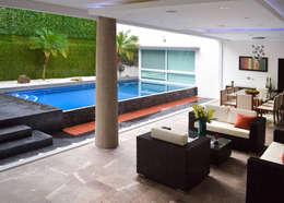 Remodelación Casa-Habitación 850m2: Albercas de estilo moderno por GHT EcoArquitectos