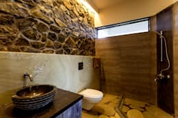 rustic Bathroom by Inscape Designers