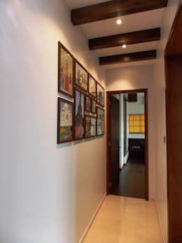 PASSAGE:  Corridor, hallway & stairs  by J SQUARE - Architectural Studio