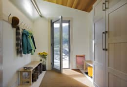 Entry Mudroom: modern Corridor, hallway & stairs by ZeroEnergy Design
