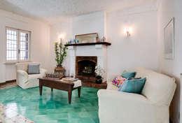 mediterranean Living room تنفيذ MakeUp your Home
