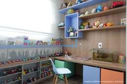 Cuartos infantiles de estilo moderno por Angelica Hoffmann Arquitetura e Interiores