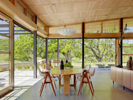 Caterpillar House: modern Dining room by Feldman Architecture