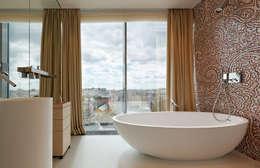 浴室 by Elena Potemkina