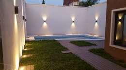 modern Houses by Arquitecto Oscar Alvarez