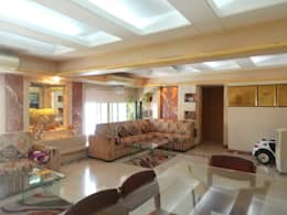 : modern Living room by Koncept Architects & Interior Designers,