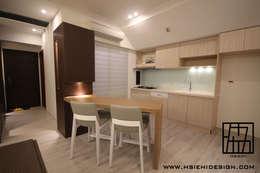 餐廳與廚房:  廚房 by 協億室內設計有限公司