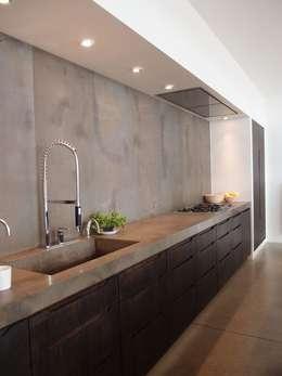 Kitchen: Cozinhas modernas por No Place Like Home ®