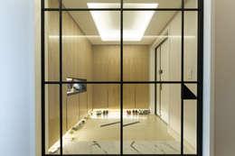 Corridor & hallway by ARA