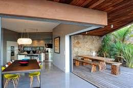 mediterranean Dining room by Atelier Jean GOUZY