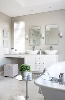 Bathroom: classic Bathroom by Salomé Knijnenburg Interiors