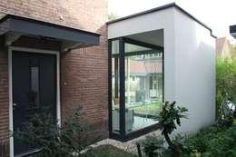 moderne Küche von Architectenbureau Jules Zwijsen