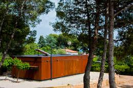 Projekty, industrialne Domy zaprojektowane przez james&mau