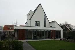 Villa in Vleuten: moderne Huizen door Architectenbureau Jules Zwijsen