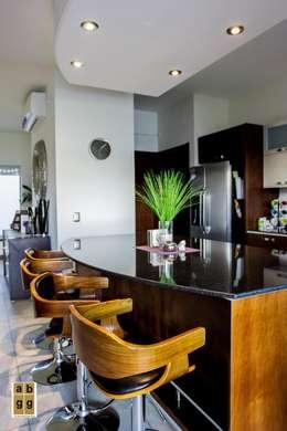 Cocinas de estilo minimalista por Arq. Beatriz Gómez G.