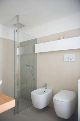 حمام تنفيذ STUDIO ACRIVOULIS      Architettra + Interior Design