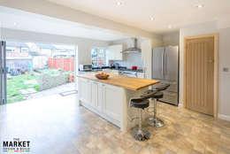 BREAKFAST BAR: modern Kitchen by The Market Design & Build