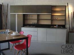 Nuevo Showroom en Escobar: Cocinas de estilo moderno por CASA LEIRO