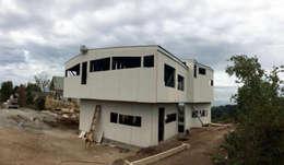 Construcción.: Casas de estilo moderno por Cordova Arquitectura y Construcción .