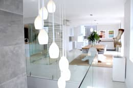 Apex Building - Penthouse: modern Dining room by House of Gargoyle