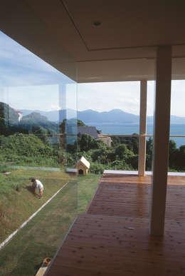 GRASS HOUSE: 森裕建築設計事務所 / Mori Architect Officeが手掛けたリビングです。