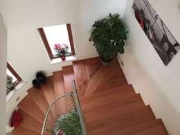 Corridor & hallway by falegnameria ziranu di balvis
