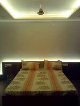 Master bedroom: modern Bedroom by Swastik
