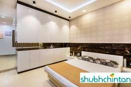 BERD ROOM FOR GUEST: modern Bedroom by shubhchintan