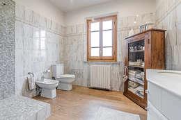 Stanza da bagno: Bagno in stile in stile Moderno di Facile Ristrutturare