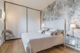 Camera da letto padronale: Camera da letto in stile in stile Moderno di Facile Ristrutturare