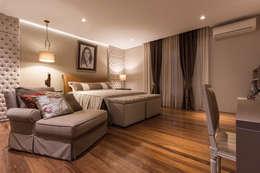 غرفة نوم تنفيذ Viviane Bertolini Designer de Interiores