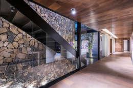 Koridor dan lorong by Sobrado + Ugalde Arquitectos