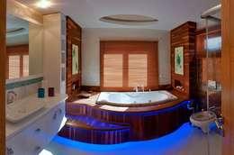 eclectic Bathroom by Attelia Tasarim