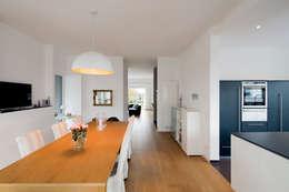 moderne Eetkamer door Ferreira   Verfürth Architekten