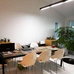 Projekty,  Domowe biuro i gabinet zaprojektowane przez tohaus/떼오하우스